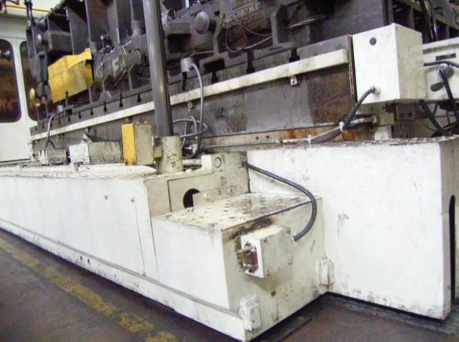 プレスラインのムービングボルスターがコネクタの通電不良で設備が止まってしまう…