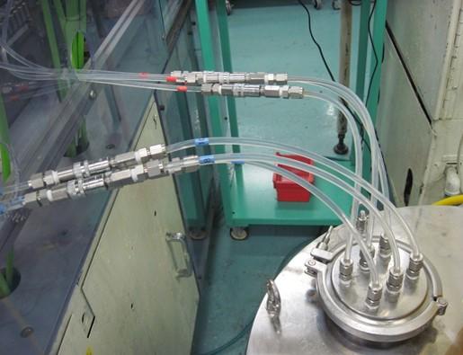 カップリングの液だれ、エア混入をなくし生産ロスを減少させた事例