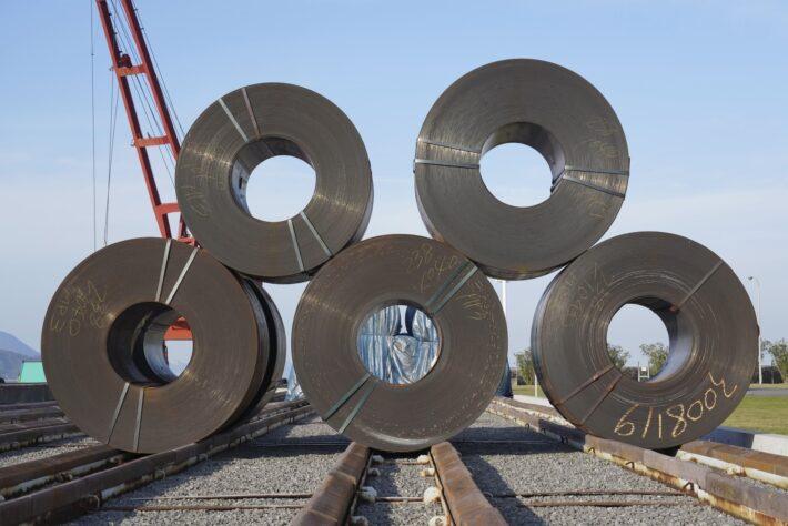 鉄鋼現場でのブスバー接続箇所の発熱と通電不良を改善した事例